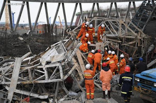 At least 40 killed in construction collapse in China