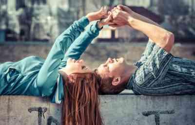 Hai Para Wanita yang Sedang Jatuh Cinta, Lakukan Ini Agar Pria Mencintaimu