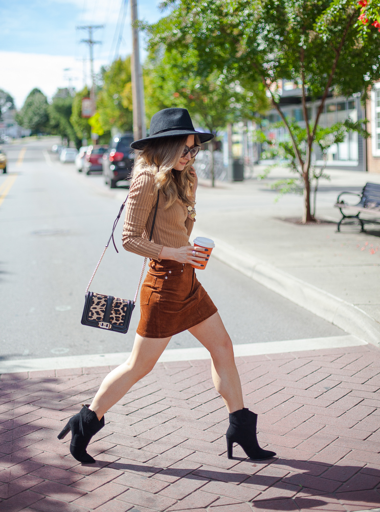 h&m short corduroy skirt