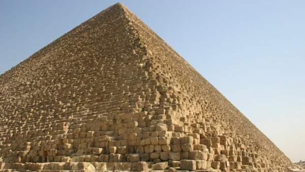 Así obtenían los egipcios los bloques de piedra de las pirámides