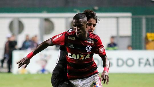 """Vinicius Junior valoriza vitória do Flamengo na pressão do Horto: """"A camisa pesou"""""""