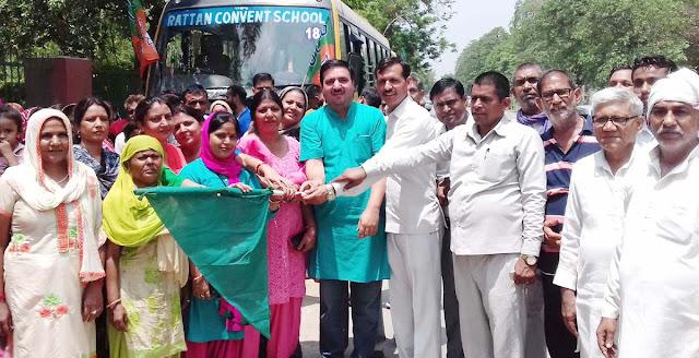 BJP leader Yashvir Dagar turns six pilgrims to Haridwar