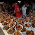 کراچی میں عوامی دسترخوانوں پر افطار کرانے کا رجحان 200 فیصد بڑھ گیا