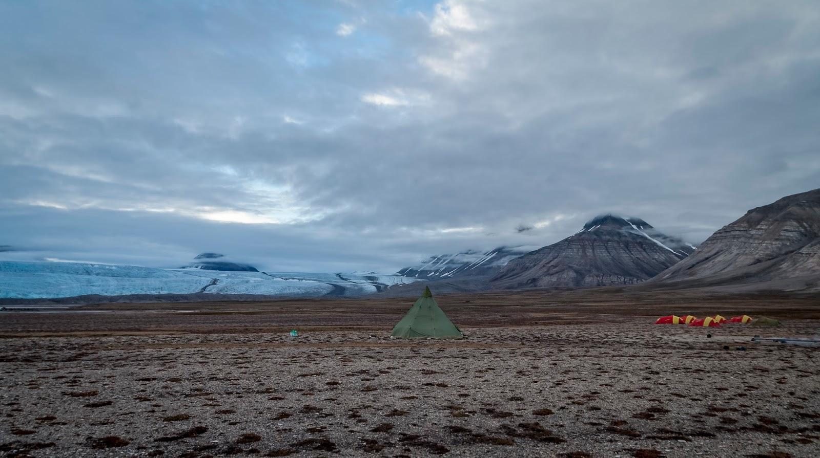 camp brucebyen svalbard spitzberg