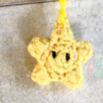 http://www.ekayg.com/crochet/super-star-zipper-charm