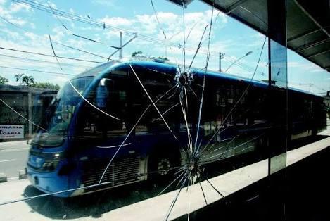 """100 """"martelinhos de segurança"""" são roubados de ônibus do BRT"""