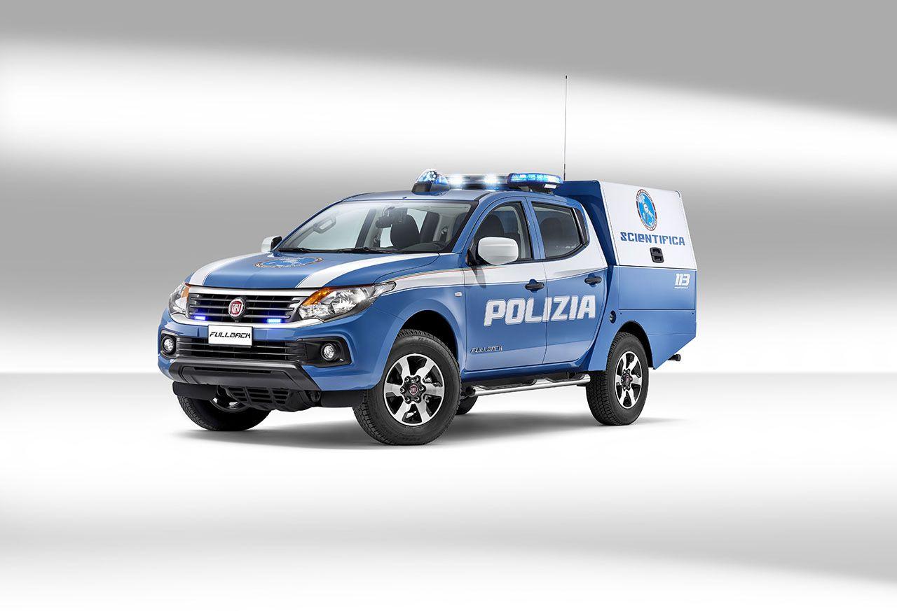 Consegnato a roma il primo fullback per la polizia scientifica for Prova dello specchio polizia youtube