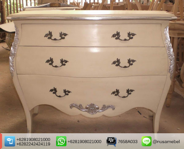 3 Drawers French Commode Jufri