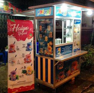 """BUKA SETIAP HARI  : Haiyo Yogurt bukanya hari Senin sampai Sabtu dari jam 14.00 s/d 21.00"""".  Foto Istagram @haiyo_pontianak"""