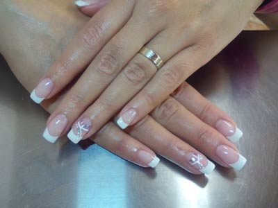 νύχια με τζελ