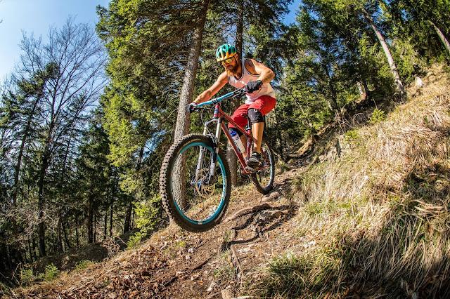 Die richtige Technik beim Trailfahren mit dem Mountainbike