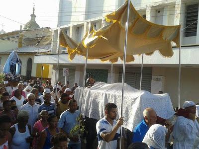 Caxias: Católicos seguem Procissão do Senhor Morto