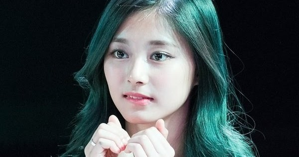 Fans Fall In Love With Green Hair Tzuyu!