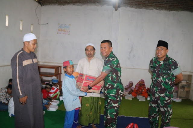 Peduli Dhuafa, Yonif Raider 509 Kostrad Beri Santunan Yatim Piatu