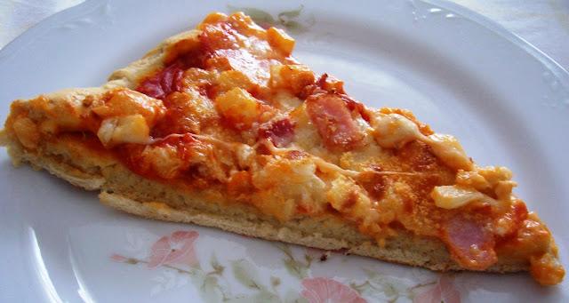 Pizza con Patatas y Bacón. Receta