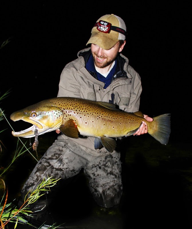 Living fly legacy tips night fishing part 2 mousing for Trout fishing at night
