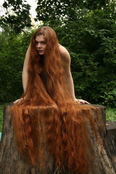 Savršena kosa: Devojke sa neverovatno dugom kosom - photo#17