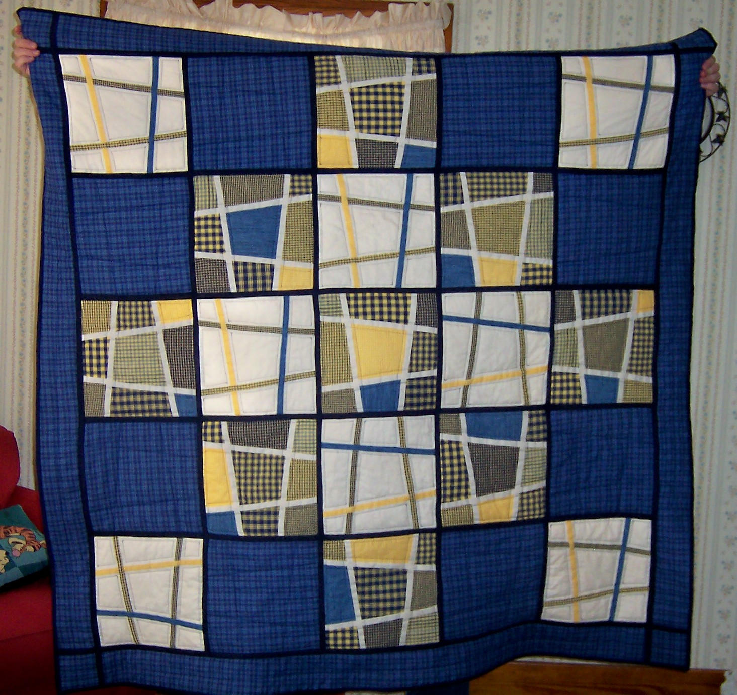katiemaytoo quilts: a housewarming quilt (repeat) and the july UFO : crazy nine patch quilt - Adamdwight.com
