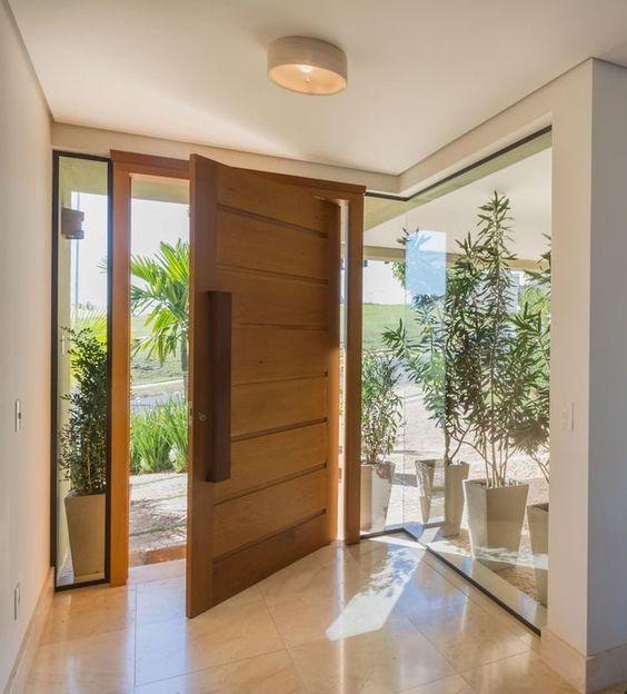 porta-de-entrada-de-madeira-pivotante