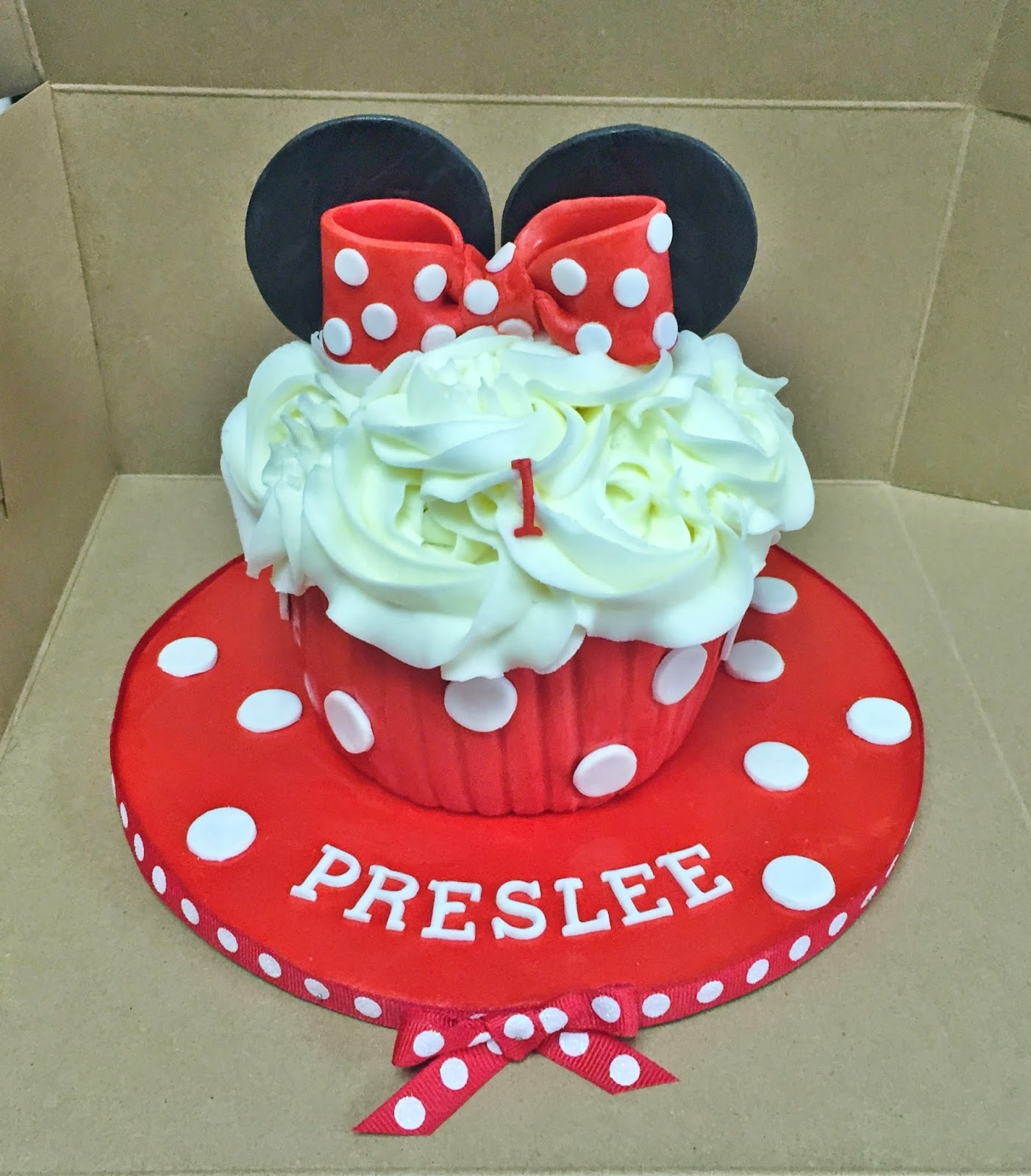 Cakes by Mindy: Minnie Mouse Cupcake Smash Cake 4""