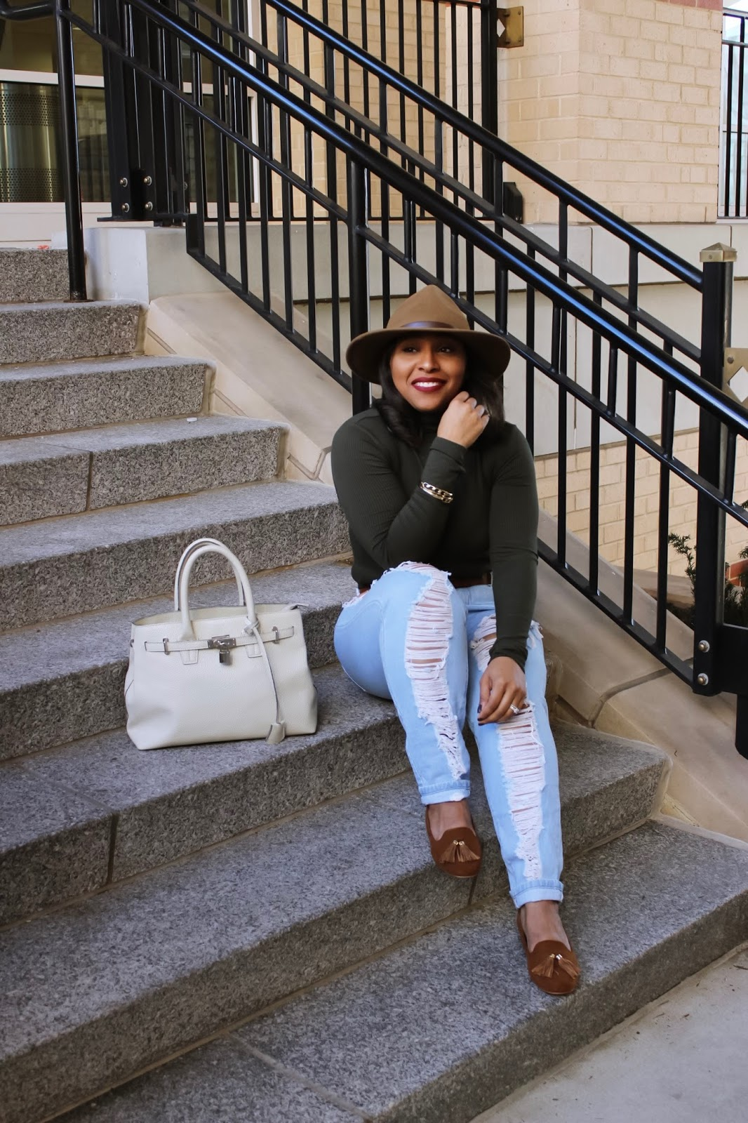 5 Reasons I Love Being a Woman, International Women's Day, ripped denim, hassle flats, how to wear ripped denim, distressed jeans, wide brim hat
