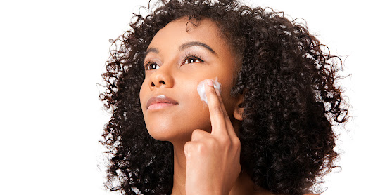 Why Your Skin Needs Moisturizers and Moisturizing Soap