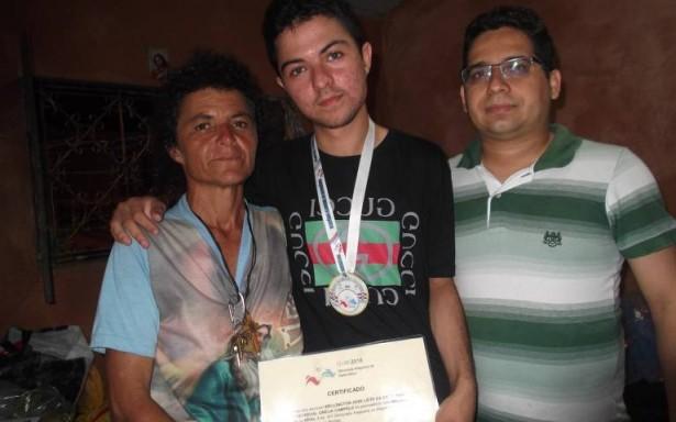 Jovem alagoano ganha medalhas de matemática