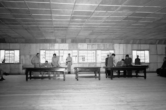 Firma del armisticio en el Panmunjom de la DMZ