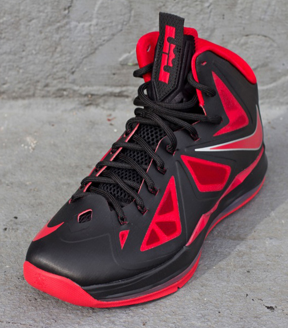 9a88fcd8ff7 For Sneakerheads   Sneakerlovers!  Nike LeBron X – Black – Red