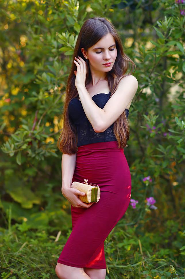 ołówkowa spódniczka bordo fioletowa czerwona