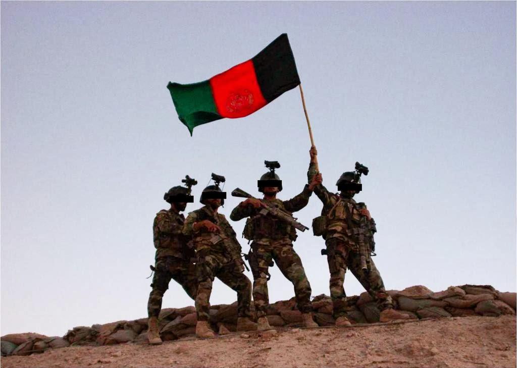 afghan commandos rais afghanistan s national flag over kuh e musa