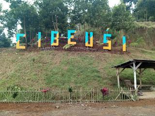 tempat parkir Curug Cibareubeuy Subang