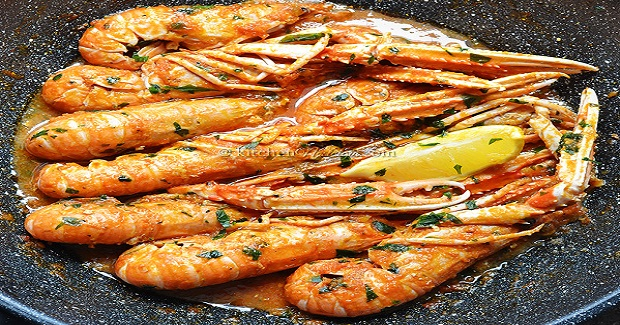 Scampi Buzara (Shrimp In Red Tomato Wine Sauce) Recipe