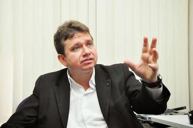 """""""Os eleitores são, em sua maioria, um bando de pidão"""", critica Herval Sampaio sobre cultura da venda de votos nas eleições"""