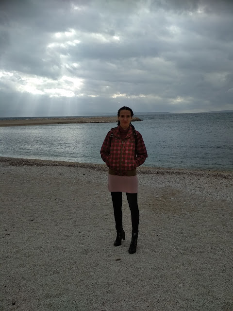 Pink and Red Worn Together: An Outfit Proposal ( location bay Trstenik, Split, Croatia )