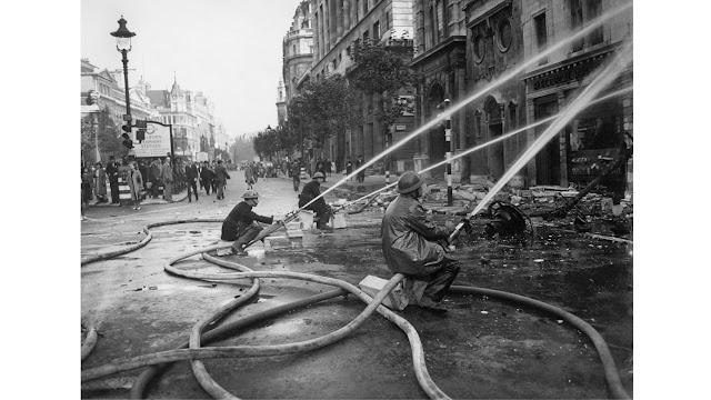 11 September 1940 worldwartwo.filminspector.com London Blitz