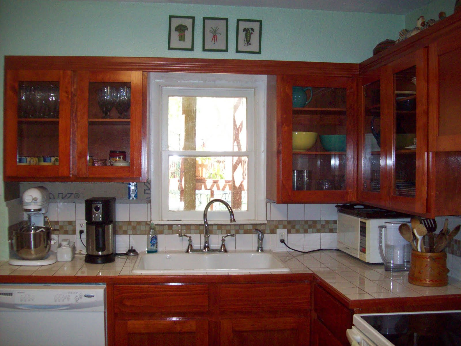 Raising to Ceiling Kitchen Cabinets