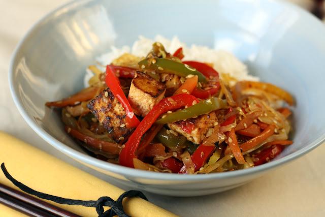Tofu sa povrćem, susamom i basmati pirinčem