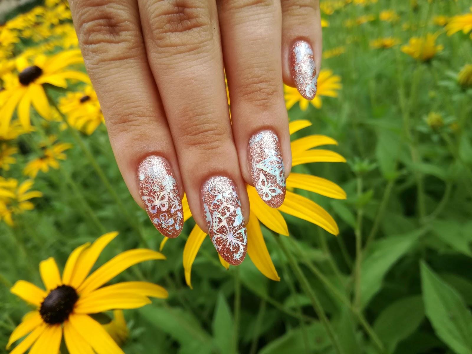 brokatowe paznokcie w motylki malinaila