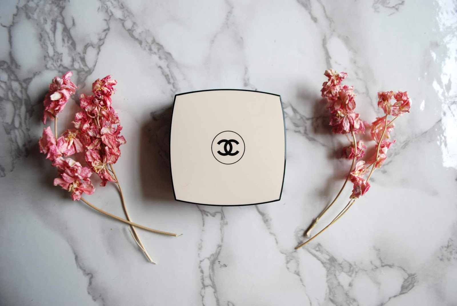 chanel healthy glow gel touch foundation review