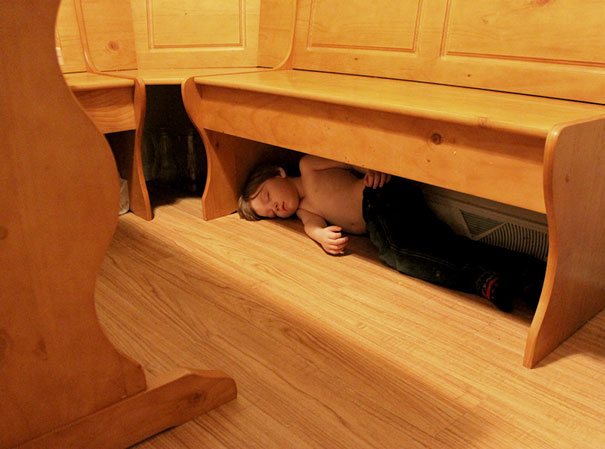 15+ Hilarious Pics That Prove Kids Can Sleep Anywhere - Napping Under The Bench