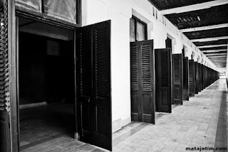 mitos pintu lawang sewu semarang