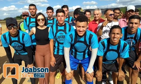 Vereadora Valéria realiza torneio de futebol na Barra do Japi