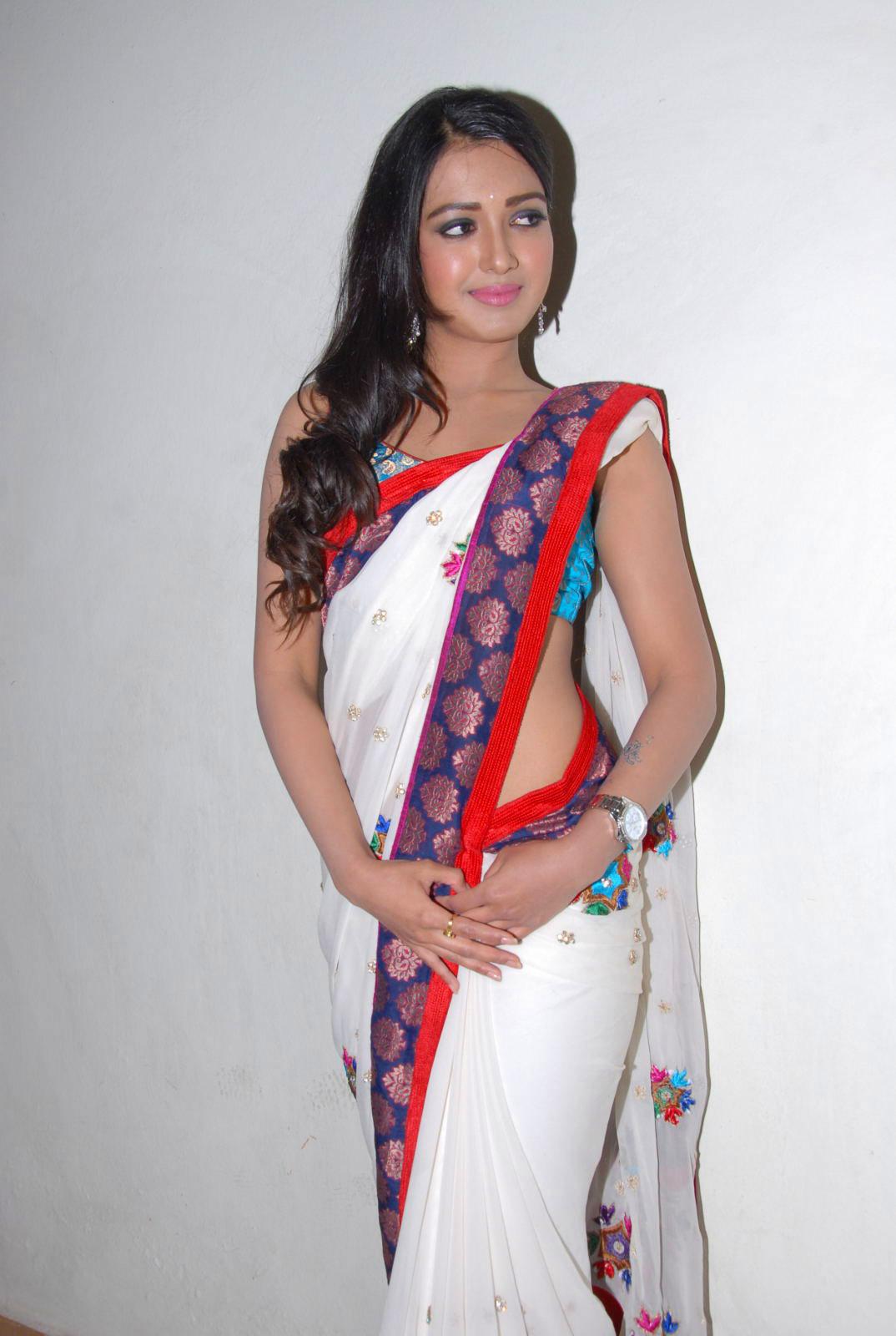 south Indian gorgeous actress Katherine latest beautiful ...