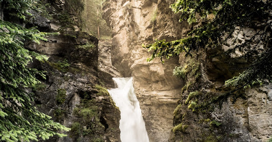 CRAM: Johnston Canyon Falls