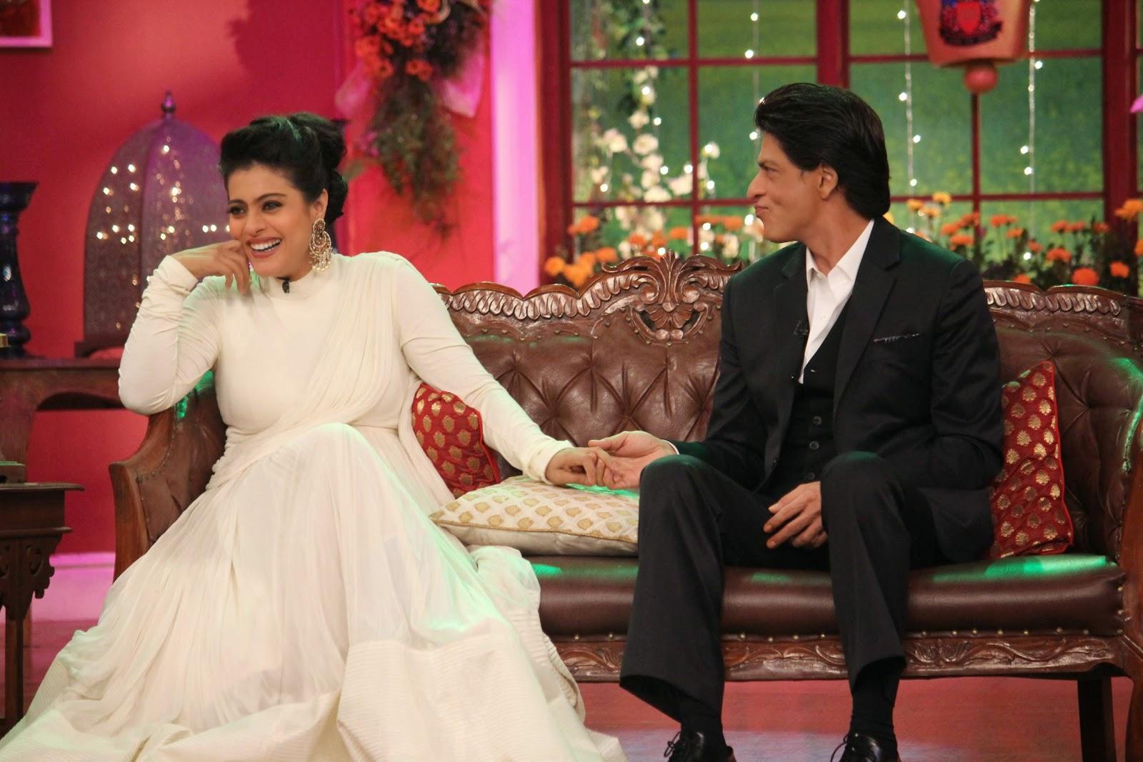 Kajol Stills At Comedy Nights With Kapil Sets, Shah Rukh Khan-Kajol DDLJ Team on CNWK