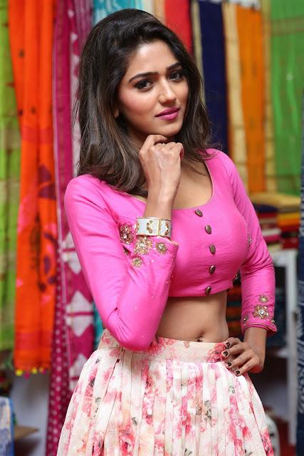 Shalu Chourasiya Hot Navel Show Pic