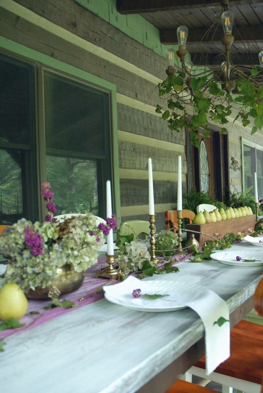 Fall_Tablescape_Outdoor_pears_sugarmold_purple_dried_hydrangeas_brass_beautyberry