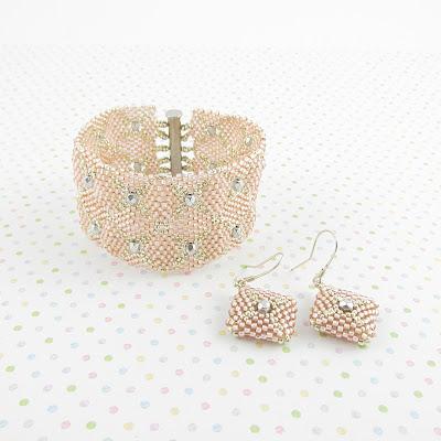 Bracelet and earrings rosaline