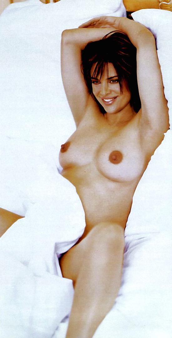 Lisa Rinna Nude Long Nipples 111